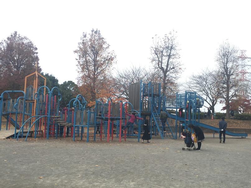 【上尾市公園巡り】上平公園は水遊びにお勧め。ランニングやテニスもできて家族で満喫できる公園だよ!